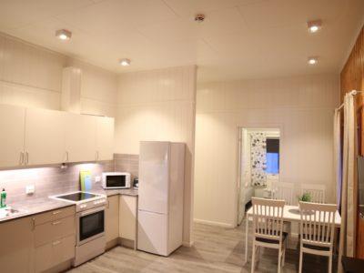 l3 kjøkken og bord